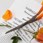 Jak emocjonalnie poradzić sobie z rozwodem